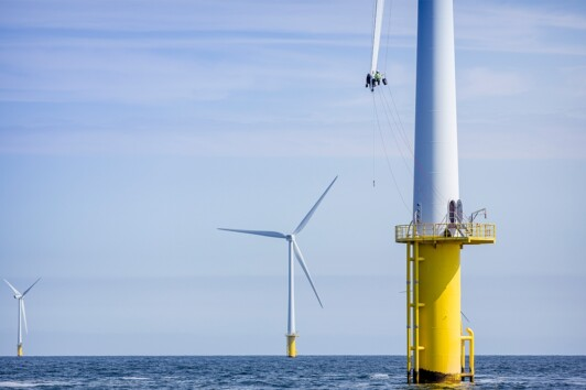 Alpha Offshore Service awarded blade repair contract for OWEZ windfarm